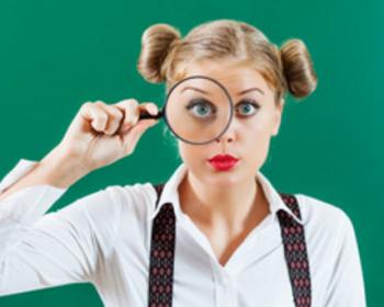 ハウスメーカーの営業マンを見極める女性の画像