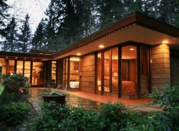 フランク・ロイド・ライトの設計したアメリカの平屋住宅の画像