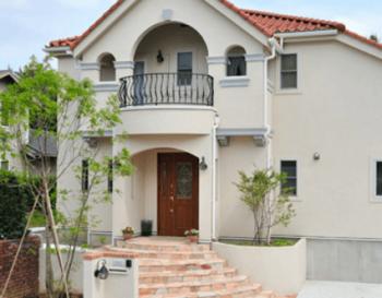 南欧風の輸入住宅のイメージ画像