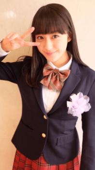 平祐奈の高校の制服