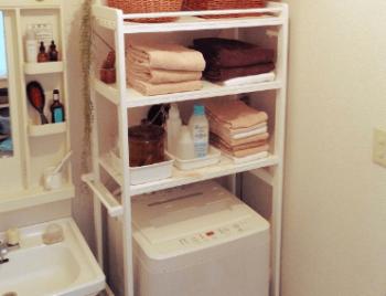 洗濯機上専用ラックを設置した画像