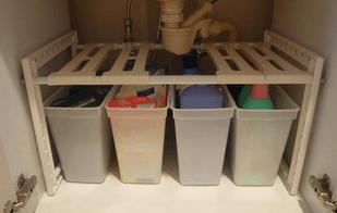 洗面台下収納を100均の伸縮棚で二段にした画像