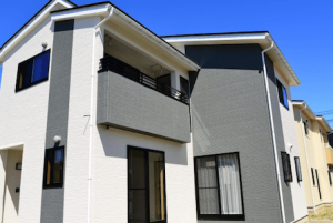 建築条件付き土地に建つ家のイメージ画像
