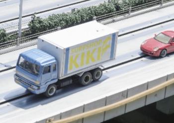 引越しの長距離輸送する引越しトラック