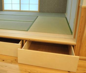 小上がり和室の段差を収納とした画像