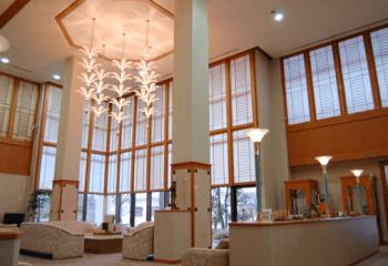 メナード青山ホテルのエントランスホールの画像