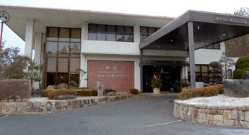 メナード青山ホテルの車寄せの画像