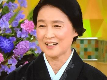 宮田圭子の黒い着物姿の画像
