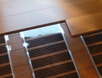 床暖房リフォームで既存床の上に施工する画像