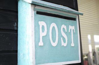 家の郵便受けの画像